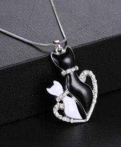 Szerelmes cicapár nyaklánc szívben